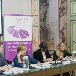 "Roundtable discussion ""Communication 2.0 and Social Media. An opportunity for more women in politics?"""